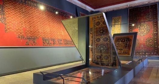 جولة إرشادية في متحف الفنون التركية والإسلامية